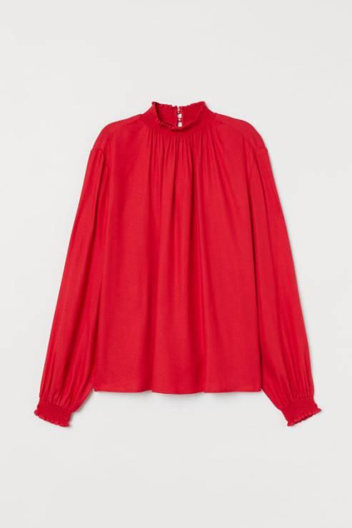 Bluzka ze stójką 79,99 zł - Trendy moda 2020: ta bluzka to super trend na wiosnę!