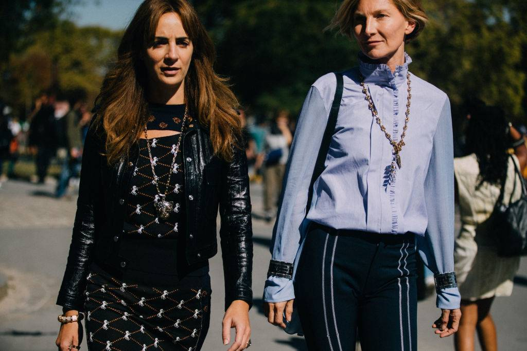 Bluzka ze stójką trendy moda wiosna 2020 - Trendy moda 2020: ta bluzka to super trend na wiosnę!