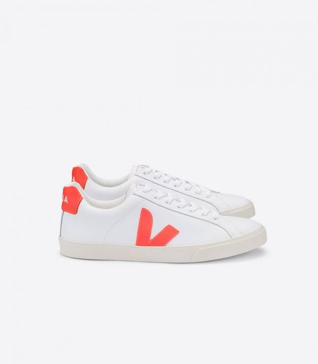 Eko sneakersy Veja - Trendy moda wiosna 2020: modne sportowe buty na nowy sezon