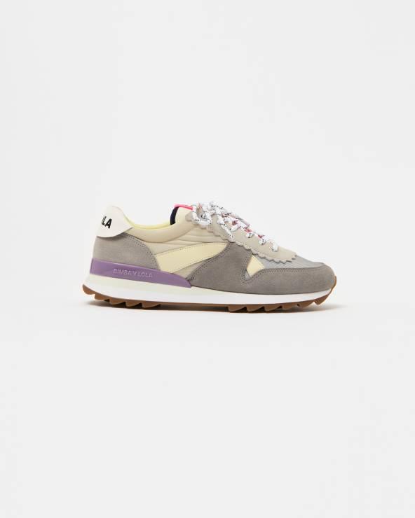 Sneakersy Bimba y Lola - Trendy moda wiosna 2020: modne sportowe buty na nowy sezon