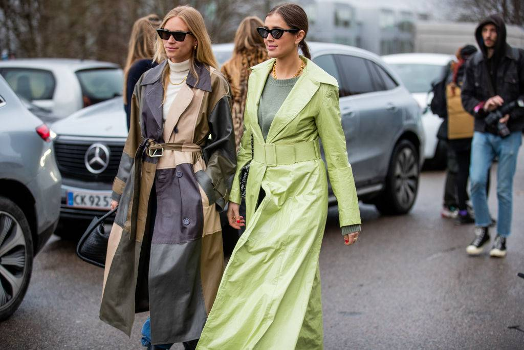 Kolorowe płaszcze na wiosnę 2020 - To najmodniejsze płaszcze na wiosnę 2020: moda trendy wiosna 2020