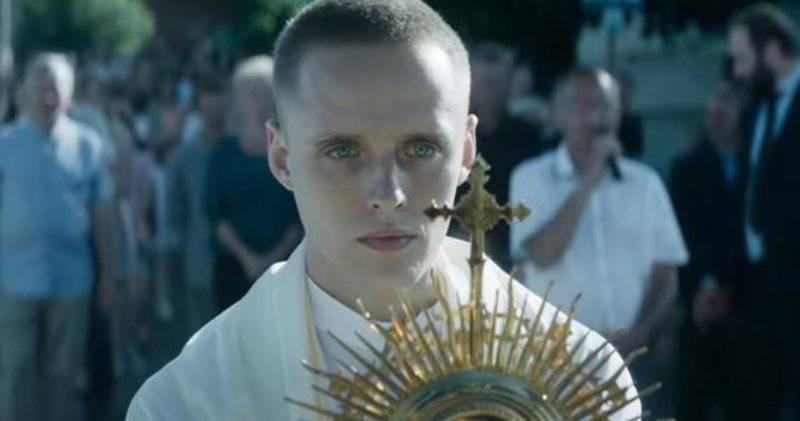 """Bartosz Bielenia w filmie """"Boże Ciało"""" - Berlinale 2020: Bartosz Bielenia z prestiżową nagrodą!"""