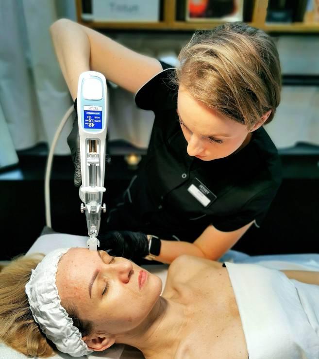 Jet Set Spa - Mezoterapia igłowa Vital Injectior 2
