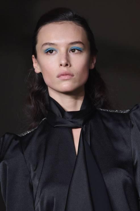URODA TRENDY 2020: Niebieski makijaż oka - Uroda trendy 2020: Wielki błękit