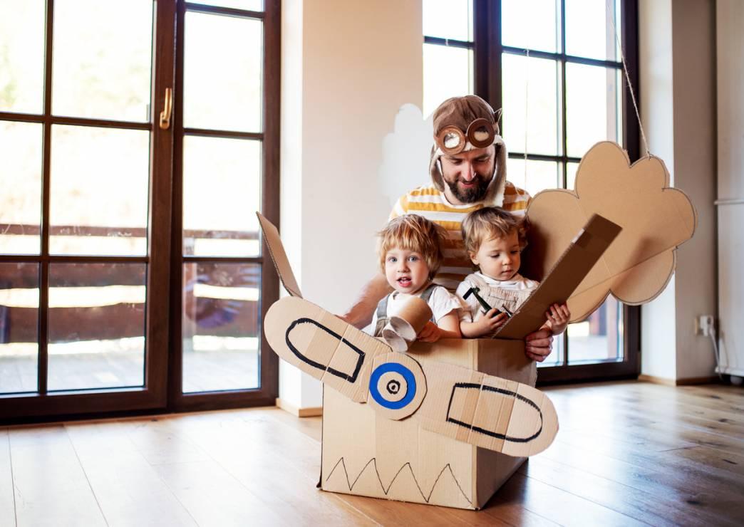 Kreatywne wykorzystanie pudeł i pudełek - 10 inspirujących pomysłów na zabawy z dziećmi w domu [OKIEM MAMY]