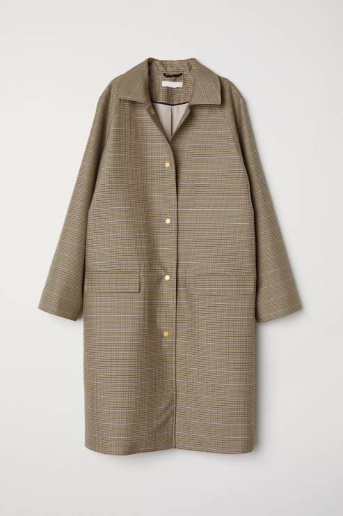 Prosty płaszcz z tkaniny o wzorzystym splocie. 229,00 zł z 299,00 zł - H&M wyprzedaż wiosna 2020: 20 rzeczy, które muszą się znaleźć w twojej szafie