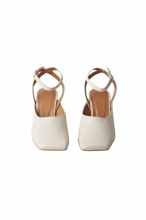 COS - Jakie buty będziemy nosić tego lata? Noszą je już it-girl na całym świecie