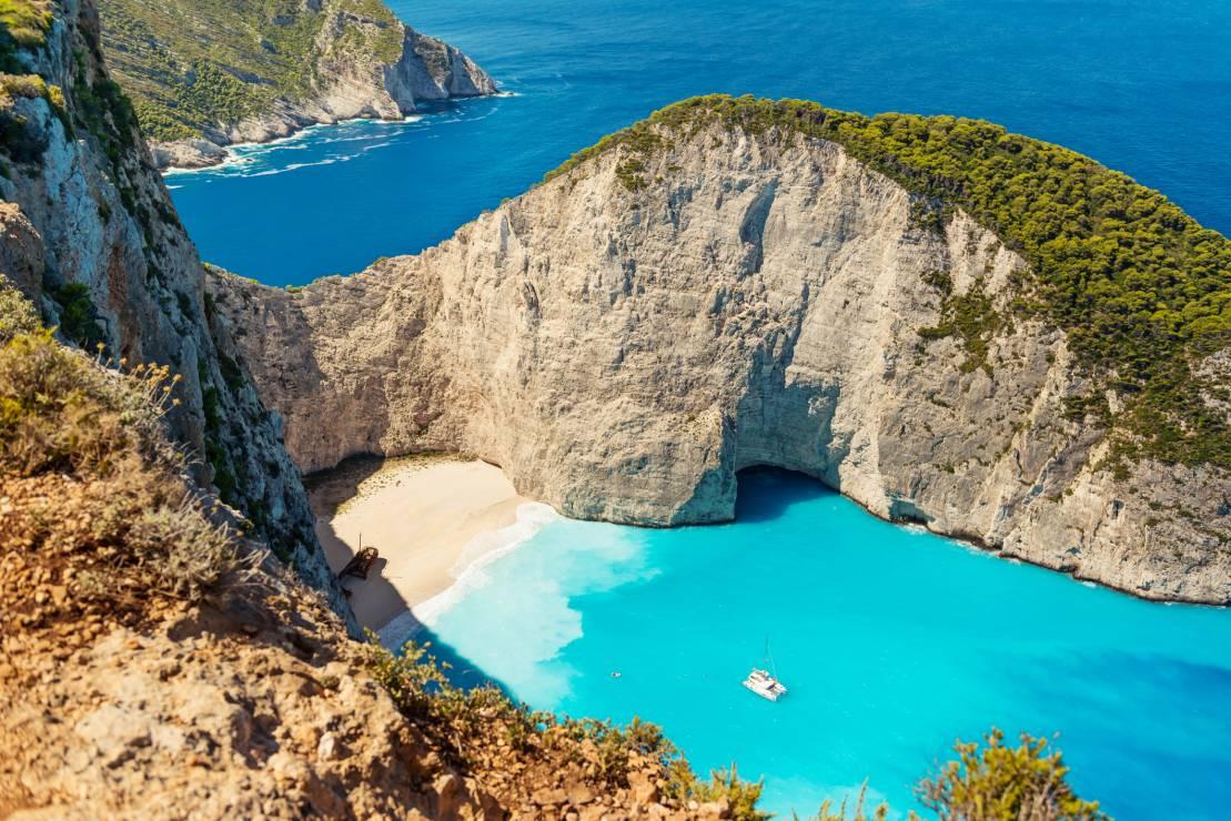 Grecja wakacje 2020: Zakhyntos - Gdzie można jechać na wakacje 2020? 6 greckich wysp, na które polecisz już w lipcu