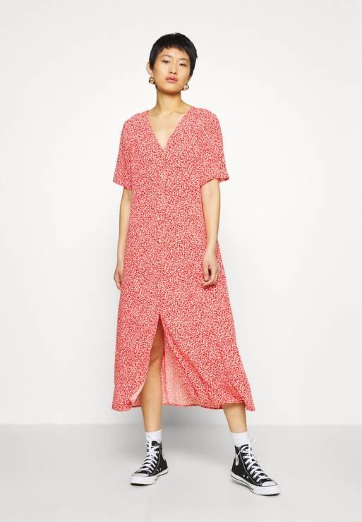 Sukienka oversize, Monki, Zalando - Sukienki oversize będą hitem tego lata - gdzie je znajdziesz?