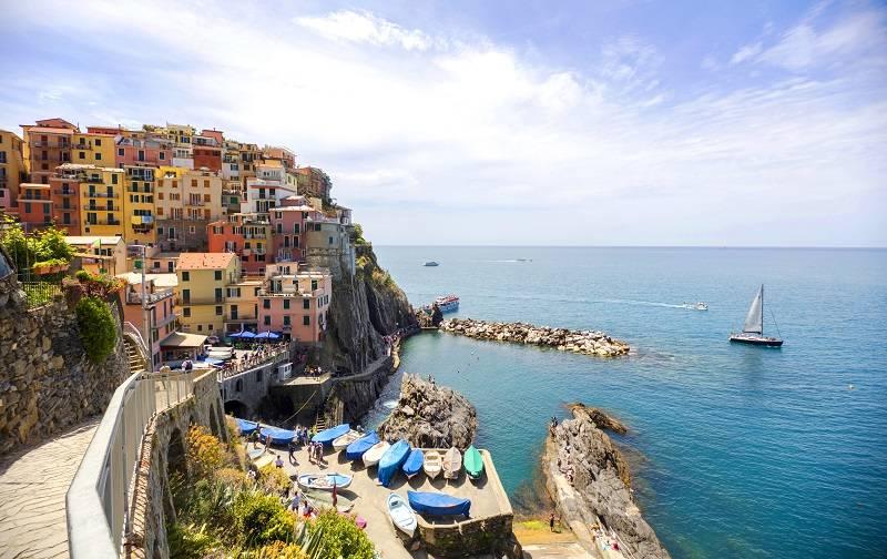"""Cinque Terre - Włoskie wakacje z Frances Mayes. """"Pod słońcem Italii"""" to perełka wśród przewodników"""
