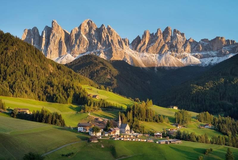"""Dolomity - Włoskie wakacje z Frances Mayes. """"Pod słońcem Italii"""" to perełka wśród przewodników"""