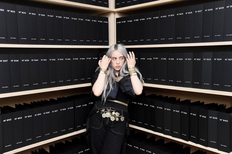 Billie Eilish - fenomen popkultury i duch pokolenia - ciekawostki - Billie Eilish - fenomen popkultury i głos zbuntowanego pokolenia. Kim jest idolka współczesnych nastolatek?